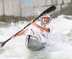 27.06.2015, Verbund Wasserarena, Wien, AUT, ICF, Kanu Wildwasser Weltmeisterschaft 2015, K1 men, im Bild Paul Graton (FRA) // during the final run in the men's K1 class of the ICF Wildwater Canoeing Sprint World Championships at the Verbund Wasserarena in Wien, Austria on 2015/06/27. EXPA Pictures © 2014, PhotoCredit: EXPA/ Sebastian Pucher