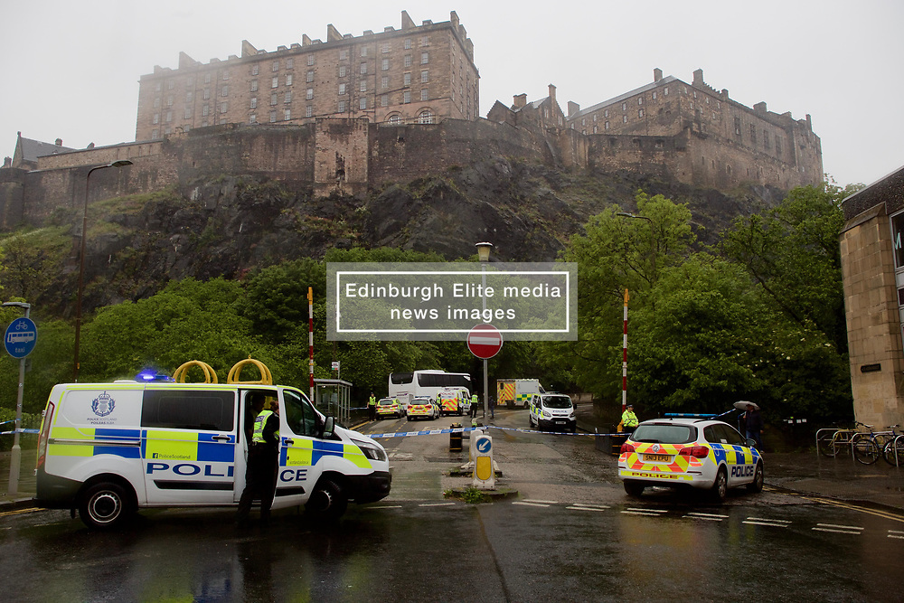 Police were out in force to attend a stabbing incident near Edinburgh Castle. pic copyright Terry Murden @edinburghelitemedia