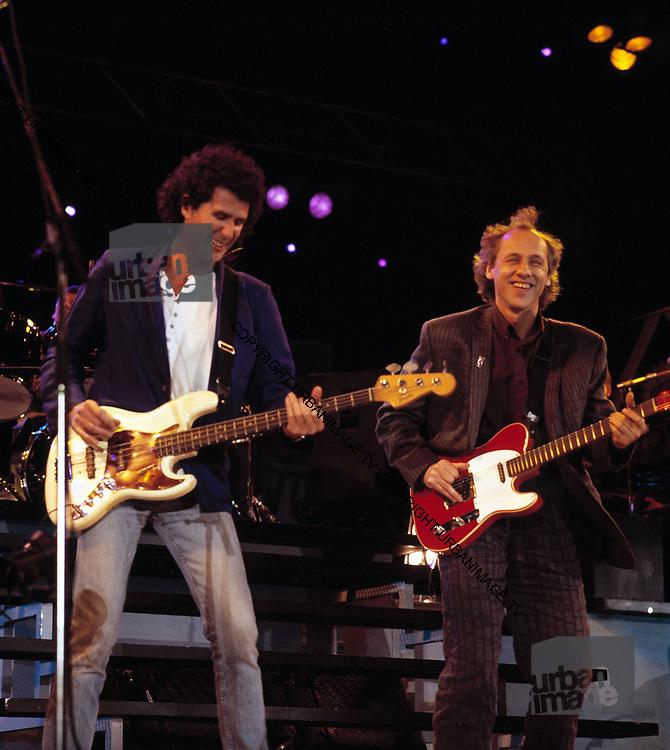 Dire Straits Mark Knopfler live at Princes Trust concert 1988