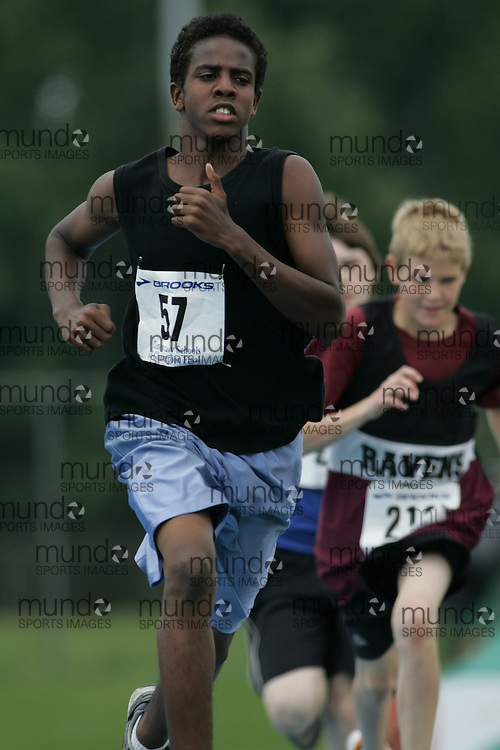 "Ottawa, Ontario ---14/06/08--- ""Mohamed, Yahye"" competes in the 800m at  the 2008 All Schools Elementary Meet of Champions in Ottawa, Ontario..Copyright Sean W. Burges, 2008. .This photograph is licensed for personal use  only."