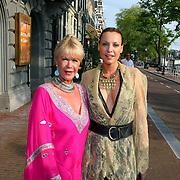 NLD/Amsterdam/20070721 - Premiere Pirates Pirates, Sheila de Vries en Mickey Hoogendijk