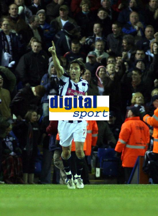 Photo: Mark Stephenson/Sportsbeat Images.<br /> West Bromwich Albion v Bristol City. Coca Cola Championship. 26/12/2007.West Brom's Robert Koren celebrates his goal