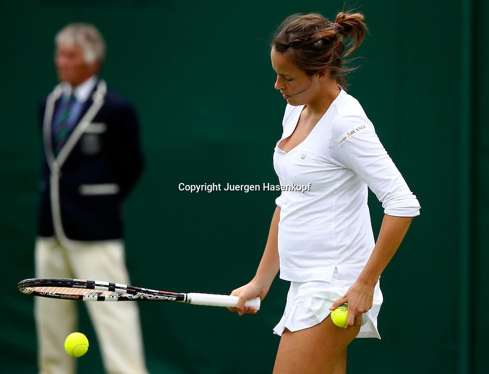 Wimbledon Championships 2013, AELTC,London,<br /> ITF Grand Slam Tennis Tournament, Tatjana Maria(GER),Einzelbild,<br /> Halbkoerper,Querformat,von der Seite,