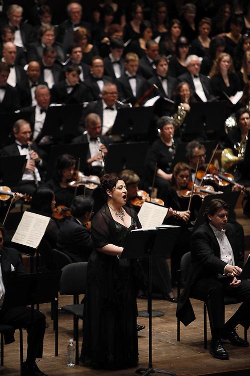 "Soprano Paula Delligatti performs at The Teatro Grattcielo Presents Pietro Mascagni's  ""IL PICCOLO MARAT"" at Avery Fisher Hall on April 13, 2009 in New York city. photo by Joe Kohen for The New York Times"