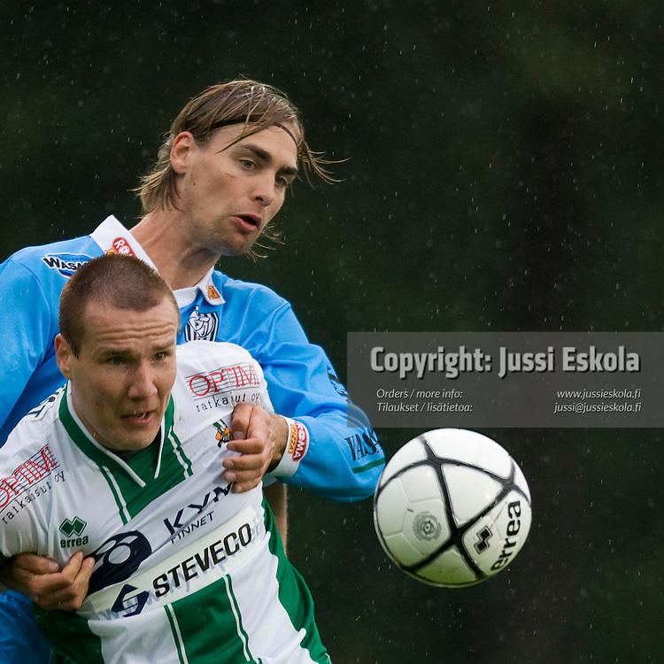 Joonas Ikäläinen, Kim Liljeqvist. KooTeePee - VPS, Veikkausliiga 14.6.2007. Kotka. Photo: Jussi Eskola