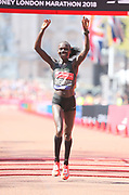 Vivian Cheruiyot (KEN) celebrates after winning the women's race in 2:18:31 in the London Marathon in London, Sunday, April 22, 2018. (Jiro Mochizuki/Image of Sport)