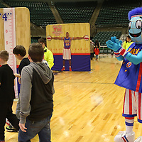 Libby Ezell | BUY AT PHOTOS.DJOURNAL.COM<br /> The Harlem Globetrotters mascot Globie was around to happily take photos with fans