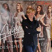NLD/Den Bosch/20120214 - Valentijnslunch 2012 Addy van den Krommenacker, Addy voor zijn banner