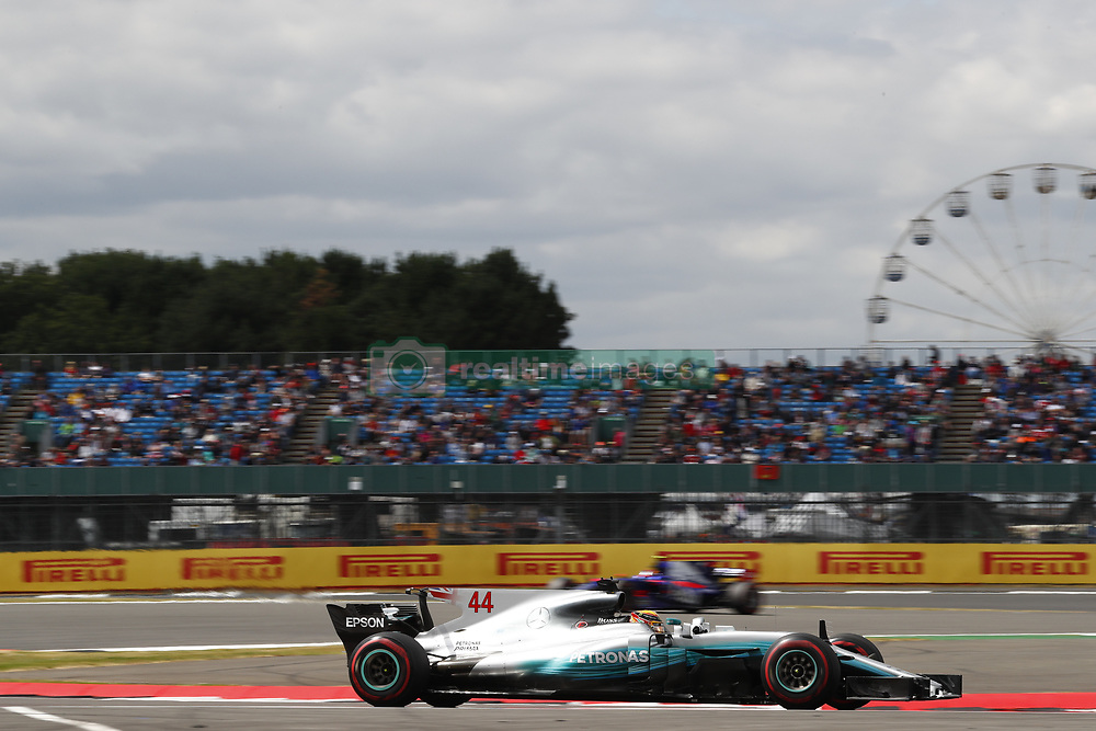 July 14, 2017 - Silverstone, Great Britain - Motorsports: FIA Formula One World Championship 2017, Grand Prix of Great Britain, .#44 Lewis Hamilton (GBR, Mercedes AMG Petronas F1 Team) (Credit Image: © Hoch Zwei via ZUMA Wire)