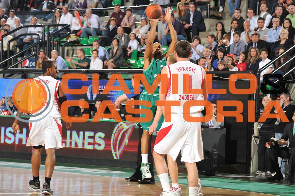 DESCRIZIONE : Treviso Eurocup Finals 2010-11 3rd-4th Place 3-4 posto Benetton BWin Treviso Cedevita Zagabria Zagreb<br /> GIOCATORE : Devin Smith<br /> SQUADRA : Benetton BWin Treviso Cedevita Zagabria Zagreb<br /> EVENTO : <br /> GARA : Benetton BWin Treviso Cedevita Zagabria Zagreb<br /> DATA : 17/04/2011<br /> CATEGORIA : tiro<br /> SPORT : Pallacanestro <br /> AUTORE : Agenzia Ciamillo-Castoria/M.Gregolin<br /> GALLERIA: Eurocup 2011 -2011<br /> FOTONOTIZIA: Treviso Eurocup Finals 2010-11 3rd-4th Place 3-4 posto Benetton BWin Treviso Cedevita Zagabria Zagreb<br /> PREDEFINITA: