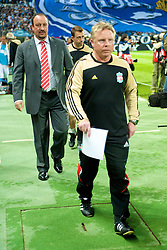 MARSEILLE, FRANCE - Tuesday, September 16, 2008: Liverpool's manager Rafael Benitez and assistant manager Sammy Lee before the opening UEFA Champions League Group D match against Olympique de Marseille at the Stade Velodrome. (Photo by David Rawcliffe/Propaganda)