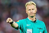 ROTTERDAM - Feyenoord - FC Utrecht , Voetbal , Seizoen 2015/2016 , Eredivisie , Stadion de Kuip , 08-08-2015 , Scheidsrechter Kevin Blom