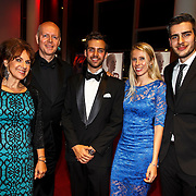 NLD/Hilversum/20141104 - Filmpremiere Night Eyes, regisseur David Cocheret, broer Christian en partner met hun ouders Cilly Dartell en partner Jan Cocheret