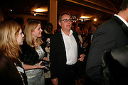 VIC REEVES. 17th Annual Book Awards, hosted by richard and Judy. grosvenor House. London. 29 March 2006. ONE TIME USE ONLY - DO NOT ARCHIVE  © Copyright Photograph by Dafydd Jones 66 Stockwell Park Rd. London SW9 0DA Tel 020 7733 0108 www.dafjones.com