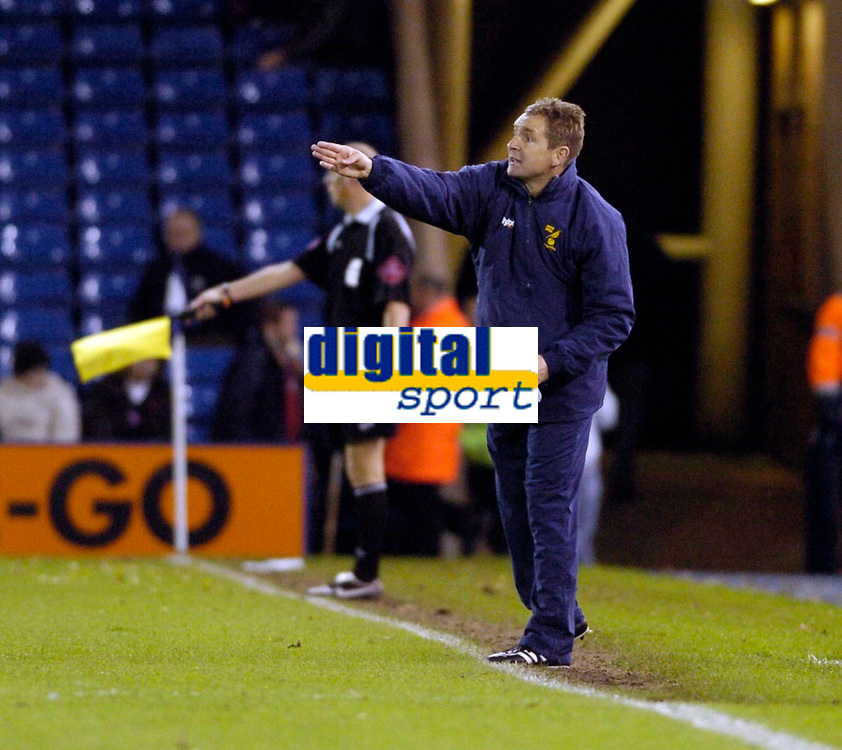 Photo: Leigh Quinnell.<br /> West Bromwich Albion v Norwich City. Coca Cola Championship. 11/11/2006. Norwich manager Peter Grant shouts out on the touch line.