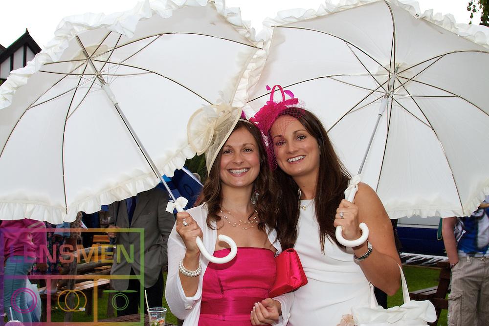 Parkbytext sponsor The Discover Ireland Dublin Horse Show..Susie and Annemarie Kennedy...