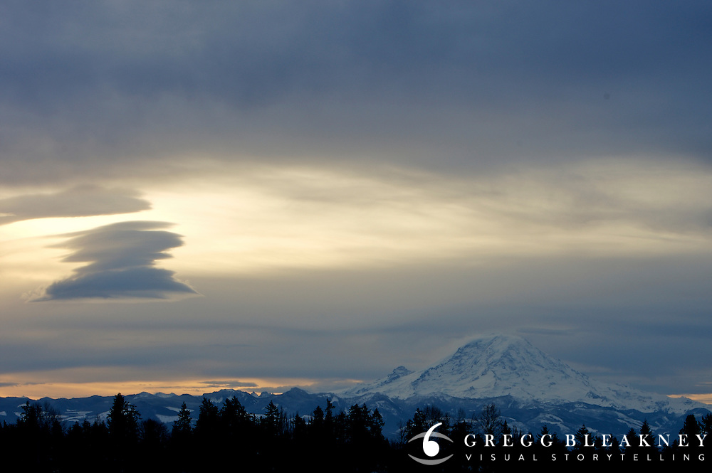 Lenticular clouds over Mount Rainier - Sea Tac - Washington State