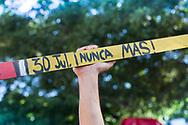 Estudiantes universitarios participan en cuarenta y dos conmemoración de la masacre de estudiantes universitarios, San salvador 30 de Julio 2017. Diversas organizaciones estudiantiles conmemorar la masacre del 30 de julio 1975 con protestas contra el gobierno y la acciones impulsadas por la izquierda. Photo: Wilton Castillo/Imagenes Libres.