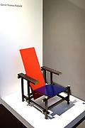 Nederland, Amsterdam, 21-11-2017. 31e editie van PAN Amsterdam, beurs voor moderne en klassieke kunst, antiek en design in de Rai. De stoel van industrieel ontwerper Gerrit Rietveld.Foto: Flip Franssen
