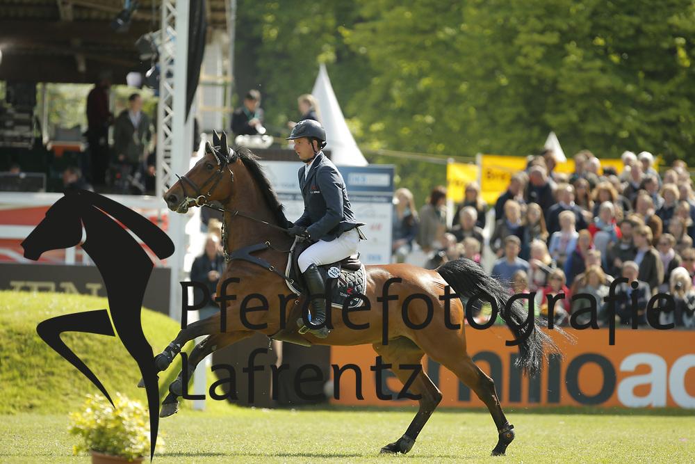 Haßmann, Felix, Chicca<br /> Hamburg - Hamburger Derby 2015<br /> 2. Qualifikation zum Deutschen Springderby<br /> Riders Tour Wertungsprüfung<br /> © www.sportfotos-lafrentz.de/Stefan Lafrentz