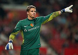 27.09.2011, Old Trafford, London, ENG, UEFA CL, Gruppe C, Manchester United (ENG) vs FC Basel (SUI), im Bild Basel 1893's goalkeeper Yann Sommer // during the UEFA Champions League game, group C, Manchester United (ENG) vs FC Basel (SUI) at Old Trafford stadium in London, United Kingdom on 2011/09/27. EXPA Pictures © 2011, PhotoCredit: EXPA/ Propaganda Photo/ David Rawcliff +++++ ATTENTION - OUT OF ENGLAND/GBR+++++