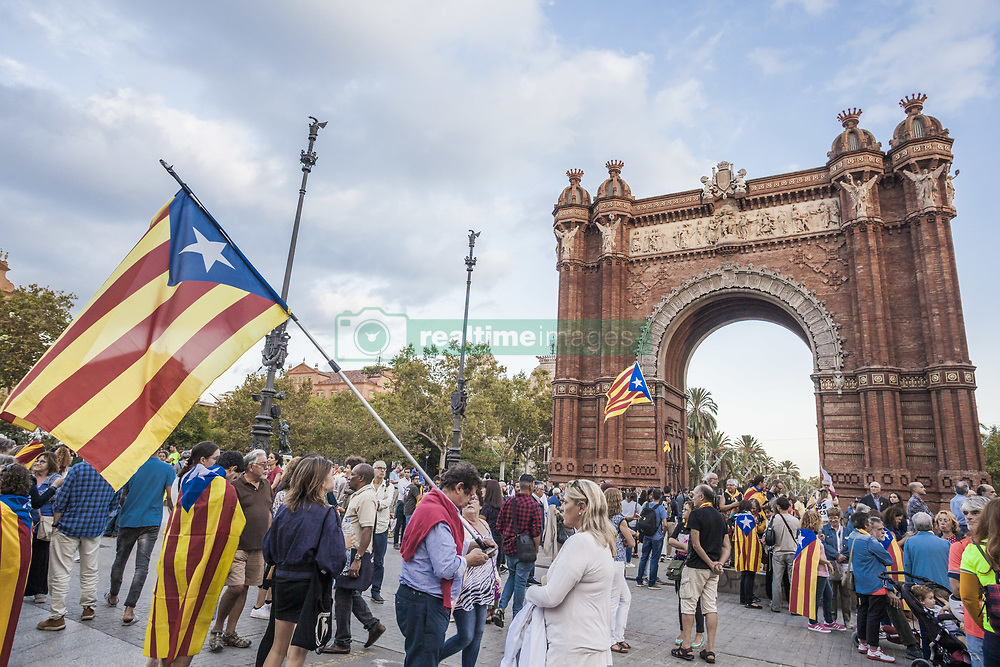 October 1, 2018 - Barcelona, Catalonia, Spain - Participants in the demonstration in Barcelona for the one year anniversary of catalan elections for independence on 1st of october of 2017. (Credit Image: © Celestino Arce Lavin/ZUMA Wire)