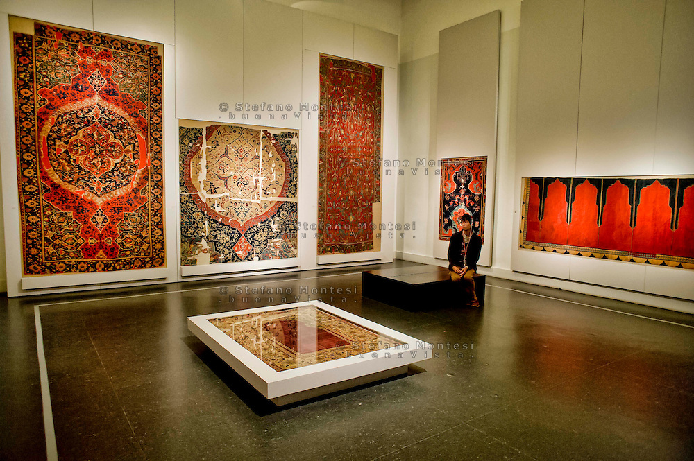 Berlin,  Museum Island<br /> Pergamon Museum,  Islamic Art Museum, Early Ottoman Carpets