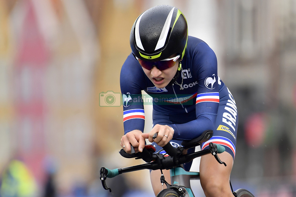 September 18, 2017 - Bergen, Norvege - BERGEN, NORWAY - SEPTEMBER 18 : Jade Wiel (Fra) in action during the Individual Time Trial Women Junior on day 2 of the 2017 World Road Championship cycling race on September 18, 2017 in Bergen, Norway, 18/09/2017 (Credit Image: © Panoramic via ZUMA Press)