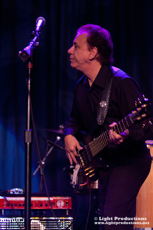 Bassist Jorge Casas - Gloria Estafan Ban
