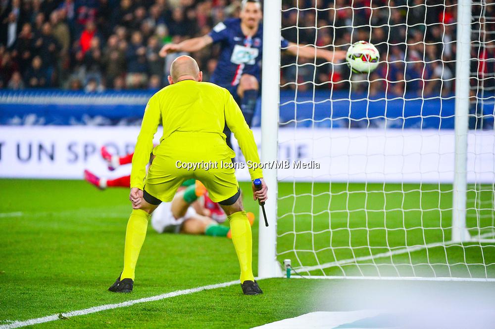 Illustration Arbitre de surface  - 08.04.2015 - Paris Saint Germain / Saint Etienne - 1/2Finale Coupe de France<br />Photo : WinterPress / Icon Sport