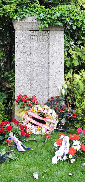 16.05.2011, Friedhof Grinzing, Wien, AUT, Friedhof Features, im Bild Grabstein vom österreichischen Komponisten Gustav Mahler, EXPA Pictures © 2011, PhotoCredit: EXPA/ M. Gruber
