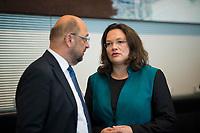 DEU, Deutschland, Germany, Berlin, 27.09.2017: Der SPD-Parteivorsitzende Martin Schulz und die heute zur Vorsitzenden der SPD-Bundestagsfraktion gewählte Andrea Nahles vor der Fraktionssitzung der SPD im Deutschen Bundestag.