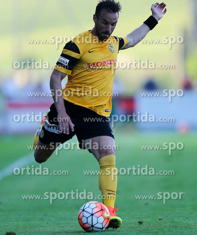 01.07.2016, Sportarena, Strasswalchen, AUT, Testspiel, FC Red Bull Salzburg vs BSC Young Boys, im Bild Scott Sutter (BSC Young Boys Bern) // during a friendly football match between FC Red Bull Salzburg and BSC Young Boys at the Sportarena in Strasswalchen, Austria on 2016/07/01. EXPA Pictures © 2016, PhotoCredit: EXPA/ Roland Hackl