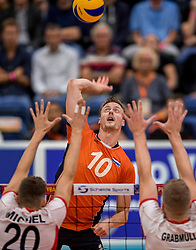23-09-2016 NED: EK Kwalificatie Nederland - Oostenrijk, Koog aan de Zaan<br /> Nederland pakt de eerste set 25-17 / Jeroen Rauwerdink #10 speelt zijn 300ste interland