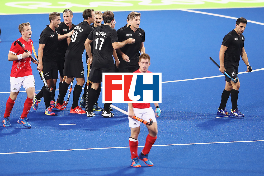 RIO DE JANEIRO, BRAZIL - AUGUST 07:   New Zealand celebrate a goal during the men's pool A match between Great Britain and New Zealand on Day 2 of the Rio 2016 Olympic Games at the Olympic Hockey Centre on August 7, 2016 in Rio de Janeiro, Brazil.  (Photo by Mark Kolbe/Getty Images)