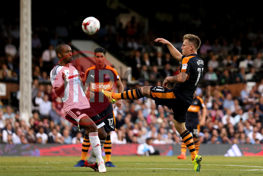 Matt Ritchie of Newcastle United reaches for the ball - Mandatory by-line: Robbie Stephenson/JMP - 05/08/2016 - FOOTBALL - Craven Cottage - Fulham, England - Fulham v Newcastle United - Sky Bet Championship