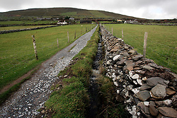 IRELAND KERRY DINGLE 3NOV05 - Path and stone wall leading to the prehistoric Dunbeg Fort on the Dingle Peninsula, Irelands most westerly county...jre/Photo by Jiri Rezac..© Jiri Rezac 2005..Contact: +44 (0) 7050 110 417.Mobile: +44 (0) 7801 337 683.Office: +44 (0) 20 8968 9635..Email: jiri@jirirezac.com.Web: www.jirirezac.com..© All images Jiri Rezac 2005 - All rights reserved.