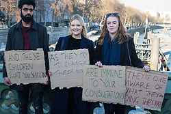 "Westminster, London, January 19th 2016. Students hold an ""emergency protest"" in Parliament Square and later blocking Westminster Bridge, against the cutting of maintenance grants. ""It took just 18 MPs 90 minutes to scrap maintenance grants for the million poorest students, without a debate in Parliament in a backroom committee"" PICTURED: Protesters display their placards on Westminster Bridge. ///FOR LICENCING CONTACT: paul@pauldaveycreative.co.uk TEL:+44 (0) 7966 016 296 or +44 (0) 20 8969 6875. ©2015 Paul R Davey. All rights reserved."