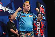 Peter Wright reaches the final and celebrates during the Grand Slam of Darts, at Aldersley Leisure Village, Wolverhampton, United Kingdom on 17 November 2019.