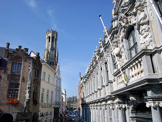Belgie, Brugge, 3-9-2005..Binnenstad, centrum met Belfort. Architectuur, monumenten, stadsgezicht..Belgium, stedentrip, toerisme, tourism. Vakantie...Foto: Flip Franssen/Hollandse Hoogte