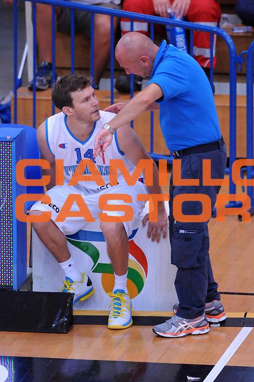 DESCRIZIONE : Trento Trentino Basket Cup Italia Georgia<br /> GIOCATORE : Travis Diener Luca Dalmonte<br /> CATEGORIA : Fairplay<br /> SQUADRA : Nazionale Italia Maschile<br /> EVENTO :  Trento Trentino Basket Cup<br /> GARA : Italia Georgia<br /> DATA : 07/08/2013<br /> SPORT : Pallacanestro<br /> AUTORE : Agenzia Ciamillo-Castoria/Max.Ceretti<br /> Galleria : FIP Nazionali 2013<br /> Fotonotizia : Trento Trentino Basket Cup Italia Georgia<br /> Predefinita :