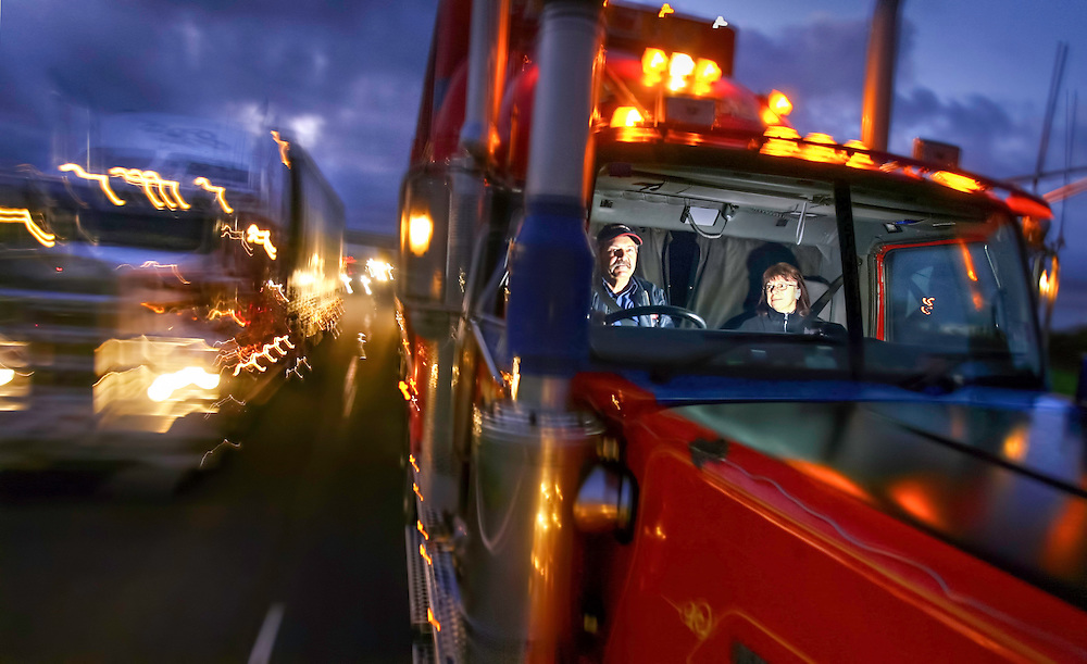 NOT BE USED BY AFR BEFORE 08-05-2008.Two up, long haul truck driving couple John and Robyn Garrard on the Calder Highway  .Pic By Craig Sillitoe SPECIALX 000 This photograph can be used for non commercial uses with attribution. Credit: Craig Sillitoe Photography / http://www.csillitoe.com<br />