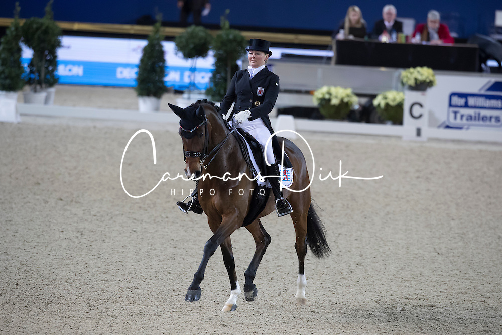Skarsoe Fie Christina, LUX, Simple Choice<br /> CDI4* St Georges<br /> Vlaanderens Kerstjumping Memorial Eric Wauters<br /> &copy; Dirk Caremans<br /> 27/12/2016er