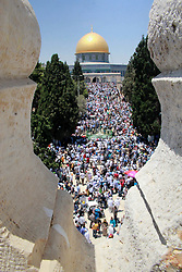 June 16, 2017 - Jerusalem, Palestinian Territory - Palestinian Muslim worshippers attend the third Friday prayers of the Muslim holy month of Ramadan at Jerusalem's al-Aqsa mosque compound.  (Credit Image: © Mahfouz Abu Turk/APA Images via ZUMA Wire)