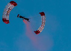 28.05.2017, Schloss Klessheim, Salzburg, AUT, 1.FBL, FC Red Bull Salzburg Meisterfeier, im Bild Mitglieder des Red Bull Skydive Teams mit Fallschirm // members of the Red Bull Skydive team with their parachutes during the Austrian Football Bundesliga Championsship Celebration at the Schloss Klessheim, Salzburg, Austria on 2017/05/28. EXPA Pictures © 2017, PhotoCredit: EXPA/ JFK