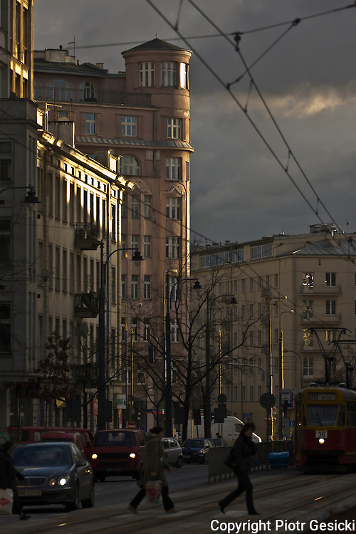 23.12.2008 Warsaw Poland, Marszalkowska street, architecture illuminated by last rays of sun. Fot  Piotr Gesicki Gesicki