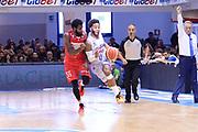 DESCRIZIONE : Brindisi  Lega A 2015-16<br /> Enel Brindisi Openjobmetis Varese<br /> GIOCATORE : Adrian Banks<br /> CATEGORIA : Palleggio Contropiede Equilibrio<br /> SQUADRA : Enel Brindisi<br /> EVENTO : Campionato Lega A 2015-2016<br /> GARA :Enel Brindisi Openjobmetis Varese<br /> DATA : 29/11/2015<br /> SPORT : Pallacanestro<br /> AUTORE : Agenzia Ciamillo-Castoria/M.Longo<br /> Galleria : Lega Basket A 2015-2016<br /> Fotonotizia : Brindisi  Lega A 2015-16 Enel Brindisi Openjobmetis Varese<br /> Predefinita :