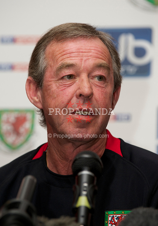 CARDIFF, WALES - Thursday, October 7, 2010: Wales' new manager Brian Flynn during a press conference at the Vale of Glamorgan ahead of the UEFA Euro 2012 Qualifying Group G match against Bulgaria. (Pic by David Rawcliffe/Propaganda)