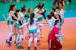 01-04-2017 NED:  CEV U18 Europees Kampioenschap vrouwen dag 1, Arnhem<br /> Nederland - Bulgarije verliest met 1-3 / Feest bij Bulgarije