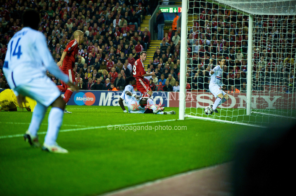 LIVERPOOL, ENGLAND - Tuesday, October 20, 2009: Olympique Lyonnais's Cesar Delgado scores the winning goal against Liverpool during the UEFA Champions League Group E match at Anfield. (Pic by David Rawcliffe/Propaganda)